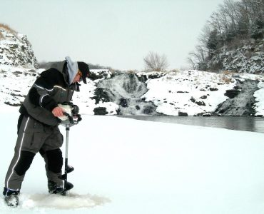 best-ice-fishing-auger